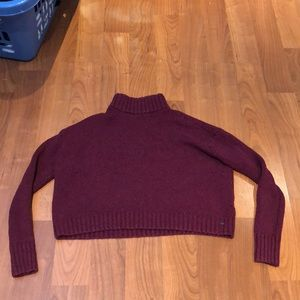 Cropped maroon turtleneck sweater